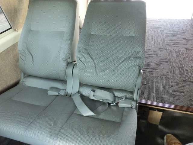 ■後部座席は2人乗れるようになっています!■