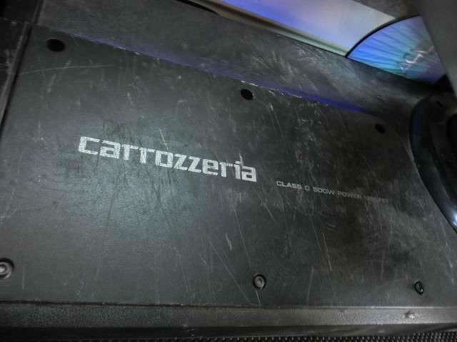 ■後部座席の下にカロッツェリアのウーファーも付いています!■