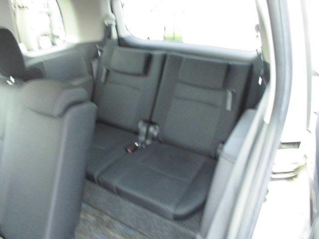 《 サードシートは少し狭いですが7人乗りです!》