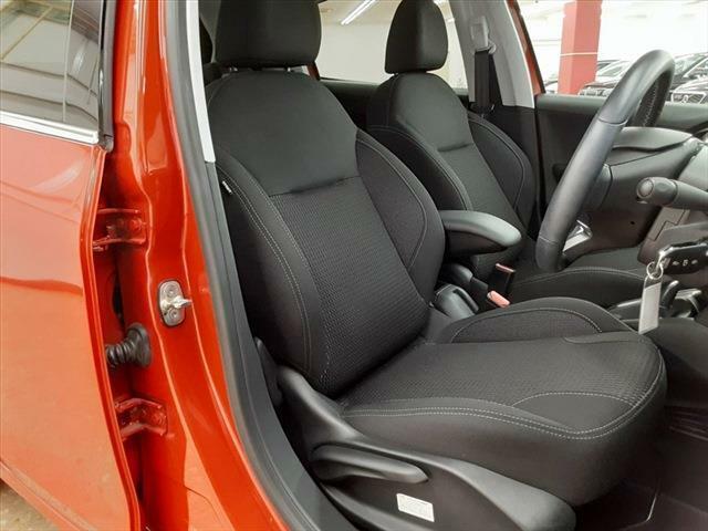 運転席側シート