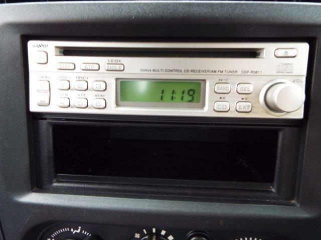 サンヨーCDステレオ/ラジオ付き!最新モデルのカーナビやオーディオの取付けも承ります!