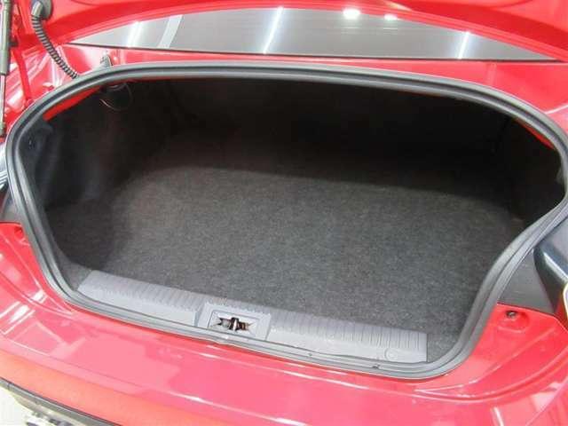 コンパクトな車体でも荷物スペースはシッカリ確保。使い勝手も良好です!