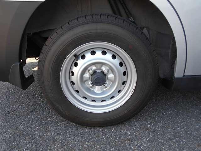 13インチのタイヤです。