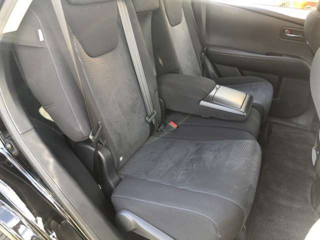 こちらはセカンドシートになります☆広々としていて同乗者の方も快適です!また、取り扱いローン会社は「セディナ」「アプラス」事前審査可能! お気軽にご相談下さい。試乗も出来ます