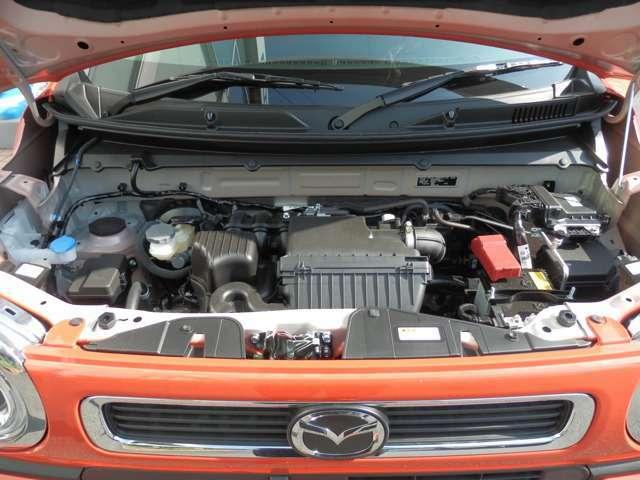 減速時のエネルギーを利用して発電し、バッテリーを充電→その電力を利用して加速時には、モーターでエンジンをアシストするマイルドハイブリット搭載です。