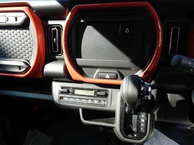オプションでナビ取付できます。全方位モニター用ナビ装着すれば、駐車も楽々です!