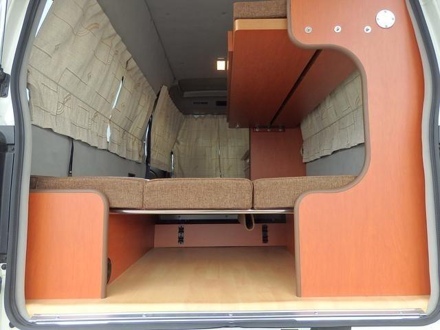 ベッドの下にも収納スペース!