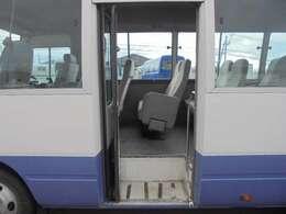 乗車口オートドアです。