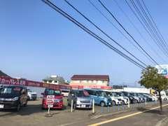 日産車をメインとし、軽自動車からミニバン、SUV、セダンまで数多くの中古車をご用意しております。