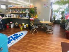 商談スペースです。お飲物やアイスをご用意してお待ちしております(^O^)