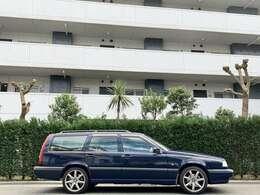 「850エステート」は、イタリアの「最も美しいエステート」賞や日本の「1994年グッドデザイン大賞」などを受賞いたしました。