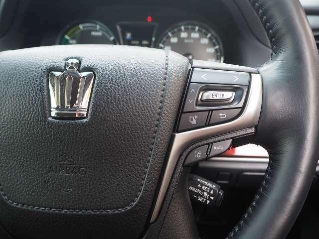 ★レーダークルーズコントロール・・高速道路で定速走行だけでなく、広い範囲で先行車との車間距離を適切に保ちながら追従走行ができます。