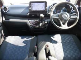 内外装の清掃・ガラス系ボディコーティングをCARクリーニング専門業者が施工いたしますので大変清潔。オリックス自動車ではみなさまに快適なドライブをお約束。