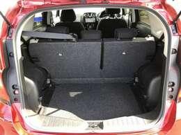 4名乗車でも、ベビーカー(A、B、AB兼用型)を1台積載することが可能なラゲッジルーム