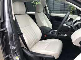 ライトオイスターレザー(110,000円)運転席も使用感はなくきれいな状態を保って入庫しております。