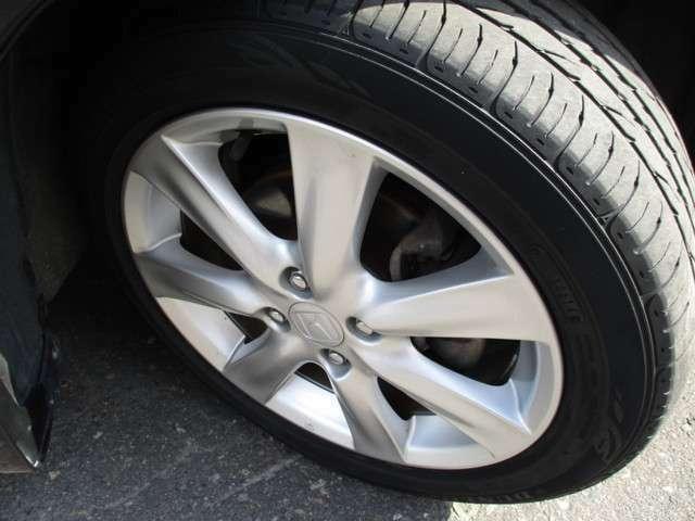タイヤサイズは、185/55R16です。