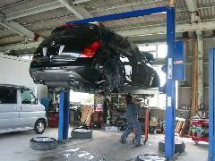 自社認証整備工場完備しております。整備も低価格で安心です!