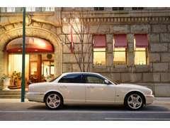 当店はハイセンスなお車を提供し、ハイクオリティを常に追求し、正確な対応を心がけております。
