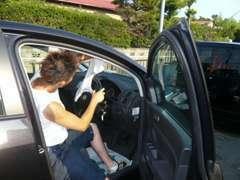 オートウェーブ湘南では、車検・整備・板金等のカーメンテナンスも行っております。 お気軽にお問い合せ下さい。