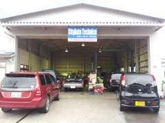 当社提携の認証工場にて、国産外車どんな車も整備可能です。オイル交換、バッテリー交換、タイヤ交換等の何でもご相談下さい!