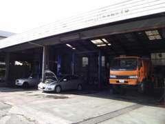 九州運輸局長指定工場ですので車検・整備は是非お任せ下さい。ハイブリッドカーもお任せ下さい!!