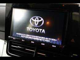 純正ナビを装備でロングドライブも快適です。フルセグTV視聴可能!