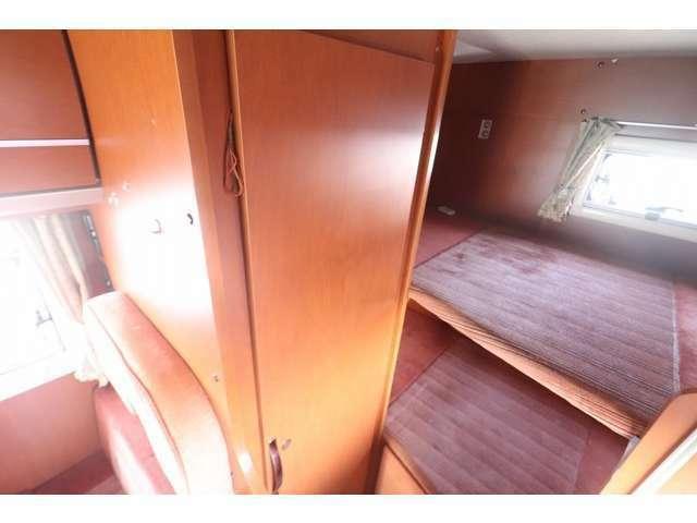 二段ベッドは上下193×87!