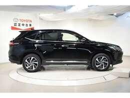 当店はU-Car専門店でございます♪約100台の展示台数迫力ある展示場でお客様のご来店をお待ちしております!!