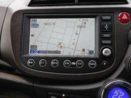 メーカーオプションナビです。タッチパネルで操作楽々!HONDAインタナビで道路渋滞や駐車場検索・天気予報などの情報がリアルタイムで表示します!