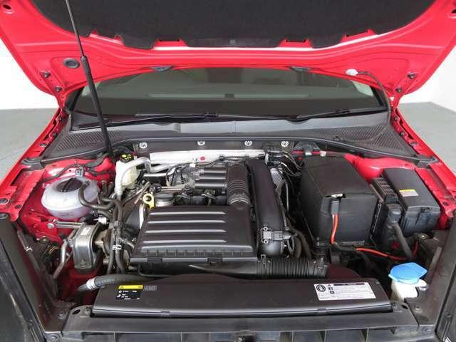 トルクフルな走りの1.4TSIエンジンは低回転域からの力強さと高いレスポンスを実現。