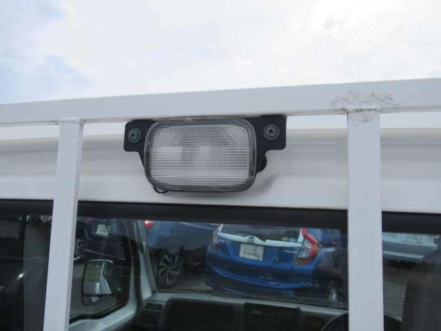 荷台用でライトがついています。暗闇でも便利です。