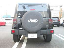 ハードスペアタイヤカバー!Jeepのロゴ入りなので後続車にもそのブランドをアピールします☆