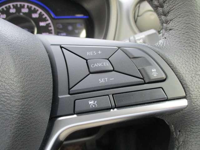● ASCD(オートスピードコントロール装置)⇒ クルマが車速を一定にコントロール するので、平坦な高速道路などでの エコドライブに貢献します