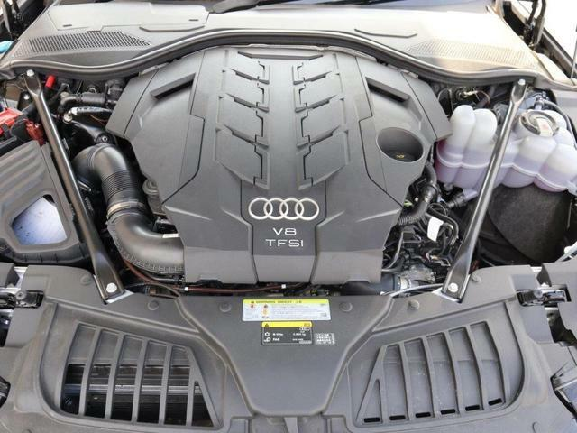 Audi正規ディーラー、AAA豊橋の認定中古車をご検討頂き、誠にありがとうございます。お客様にピッタリなお車を弊社スタッフがご案内させて頂きます。