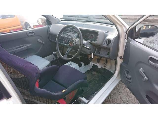 ブリッドのカーボンフルバケットシートです