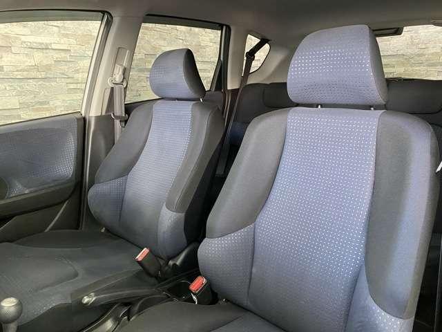 シートがしっかりと体を支えてくれるのでとても運転しやすいですよ!