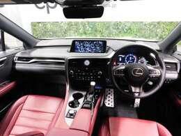 レクサス車らしい細部までこだわった高級感と見る人を一目で虜にするエモーショナルな魅力を持ち合わせております。