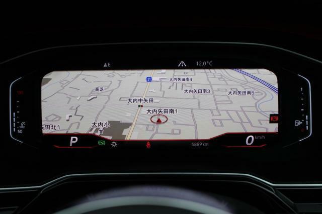 デジタルメーターは視認性にもメーター全体に地図を表示することも可能です。