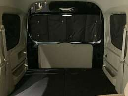 リヤシートから後方までの遮光シェードも付いてます!寝る時も快適★