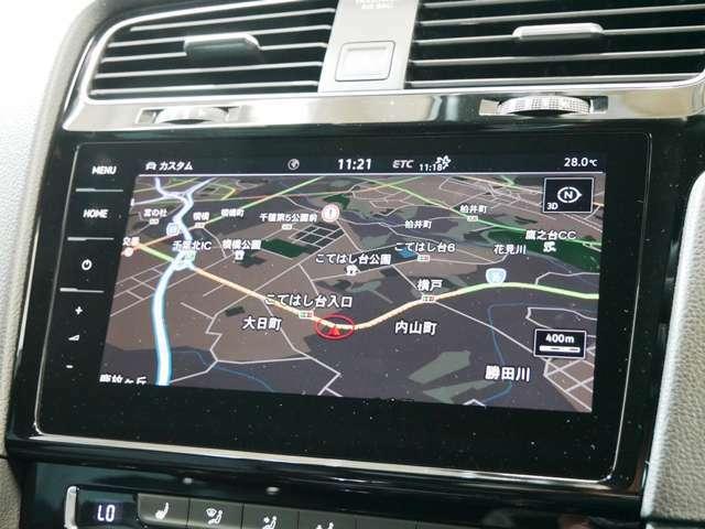 大型9.2インチフラットタッチスクリーン地デジフルセグ対応純正SSDナビ/DVD/CD/SD/ジュークボックス Bluetoothオーディオ&ハンズフリー 電動格納式ガイドライン付バックカメラ