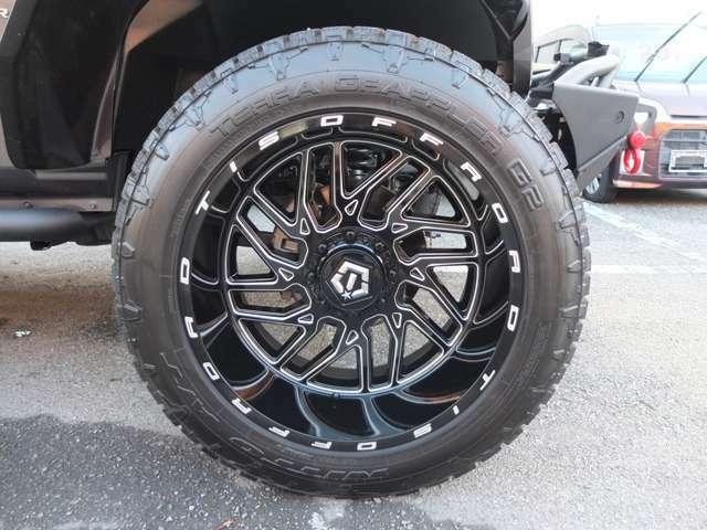 TIS製22インチ極太タイヤホイールです。背面タイヤも同品です!!