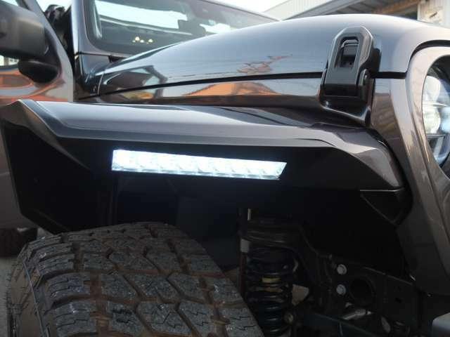 社外LED付きオーバーフェンダーです
