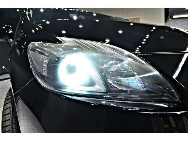 オリジナルワンオフ加工の2連イカリング&インナーブラックヘッドライト 車全体が引き締まります!