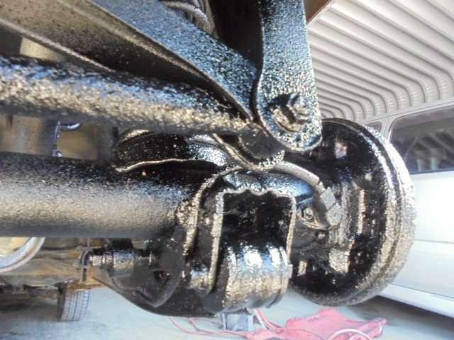 Aプラン画像:(施工後サンプル画像・,このお車ではありません)下回りが良好状態で施工すれば更にに効果は倍増!車検ごとに塗装すると余計なトラブルや出費が防げますので施工される方が多数です!オススメプランNO1!
