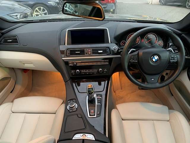 写真ではわからないことがたくさんあると思います。是非一度お車を見に来てください!ご遠方の方には動画配信も実施中☆お気軽にお問い合わせ下さいませ♪阪神BMW西宮店【0066-9711-214736】