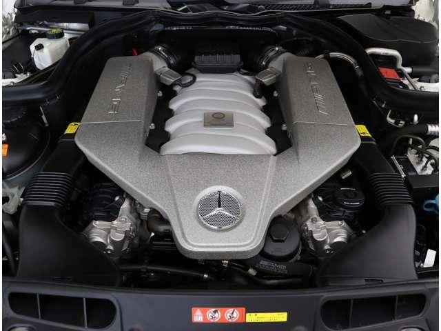大型ガレージを完備しておりますので、天候に左右されずお車をご覧頂けます!