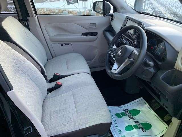 運転席・助手席にシートヒーター装備!冬でも快適なカーライフを送れます!