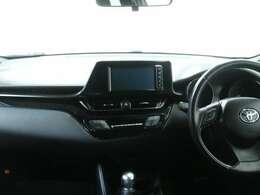 平成28年式、トヨタC-HRの4WDです