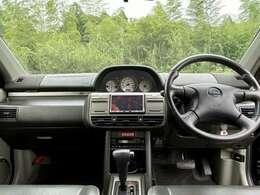 Xttグレードのお車です。天井防水加工、前席シートヒーター装備など、アウトドア色の強い内容となっております。HDDナビ・TV♪