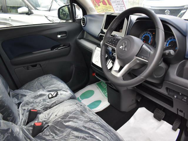 内装色は、ブラックです☆車内が落ち着いた雰囲気になります!